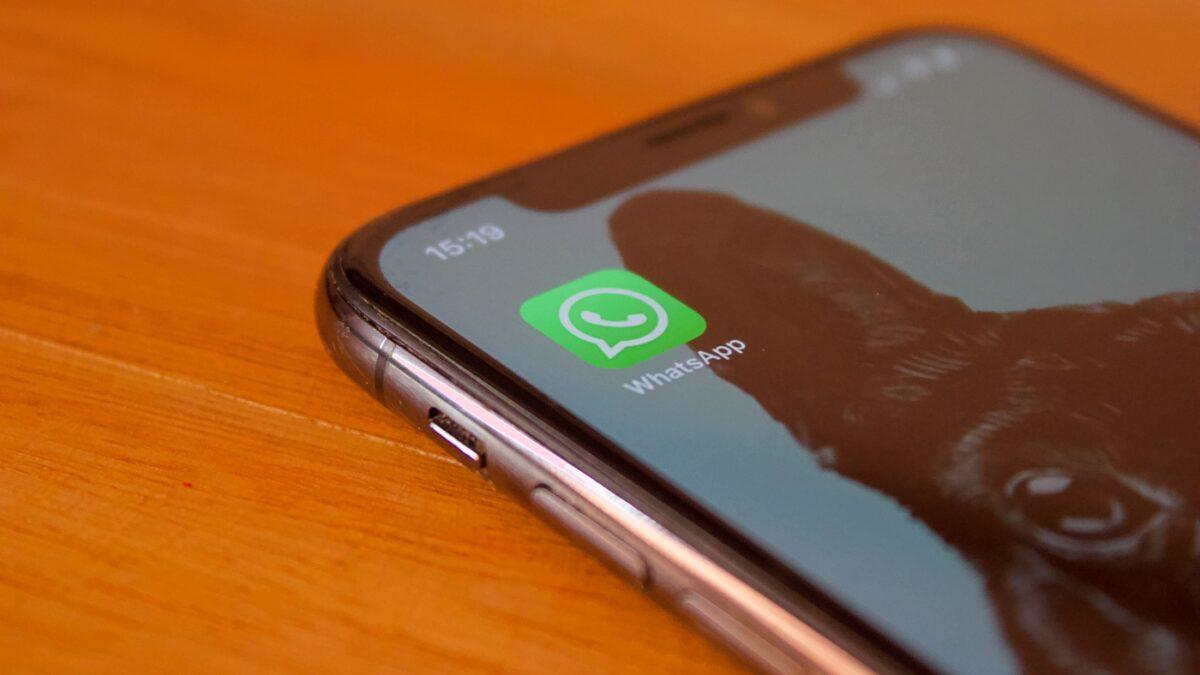 ¿Cómo enviar un mensaje en WhatsApp a alguien que no es un contacto?
