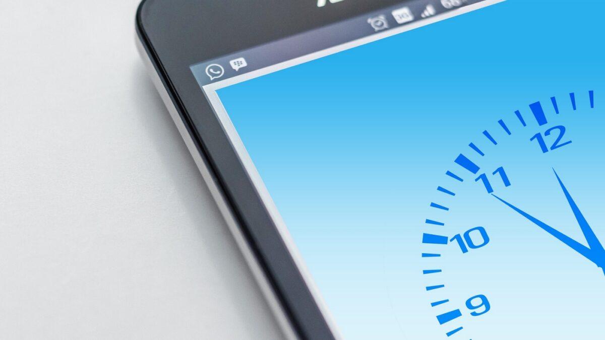 ¿Cómo solucionar cuando el celular o computadora ingresa al horario de verano 2020 automático?